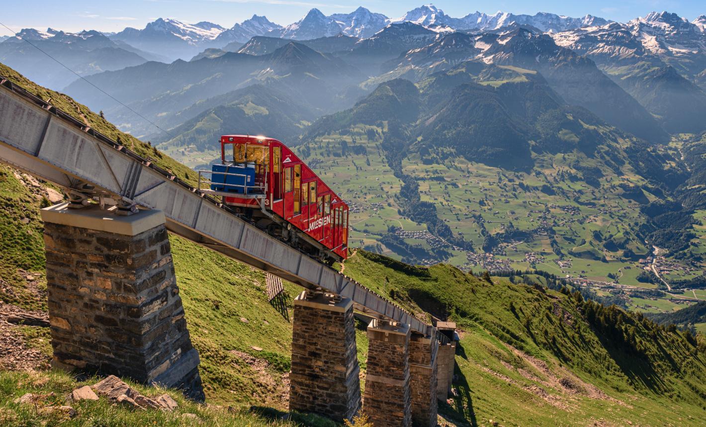 The Niesenbahn during the ascent. Photographer: Chris Dittmer